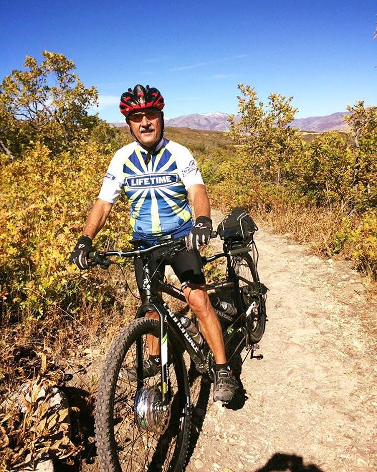 """Ed mountain bikes on his #tandemebike with his cute wife Debbie. Ed says, """"had a great Sunday tandem ride with Debbie, I think we know every turn, rock and sandy section from Wheeler Creek to Green Pond."""" #leedbicyclesolutions #leedebikekits #leedebike #leed #ebike #ebikes #ebikekit #commutebybike #gogreen #tandem #tandembike #tandemebike #8fun #250watt"""